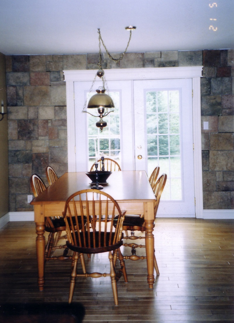 Cultured stone accent wall the cultured stoners for Casual dining room wall ideas