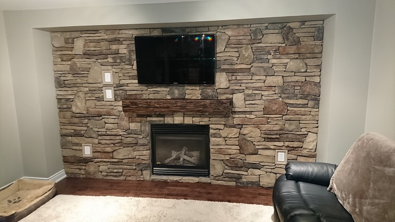 Stone veneer blend on accent wall